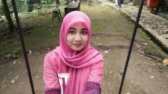 Dewi Kusnia
